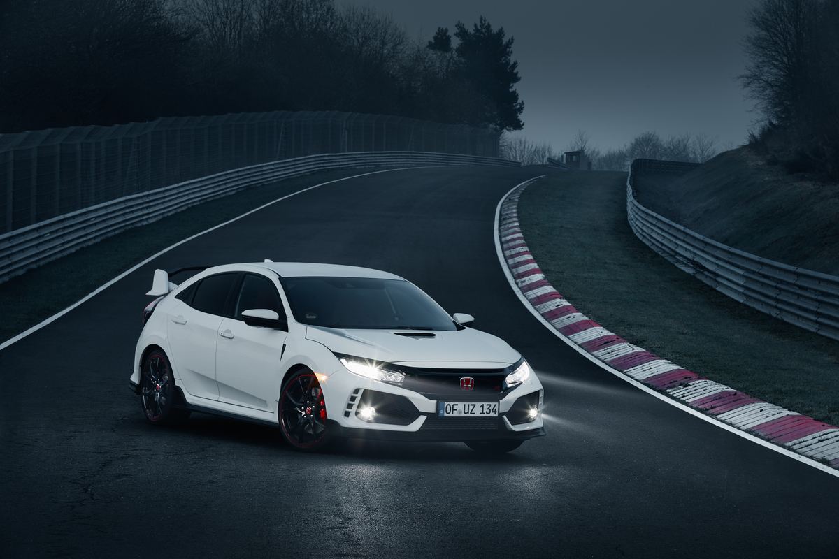 honda civic type r gets its first promo video racing at heart. Black Bedroom Furniture Sets. Home Design Ideas