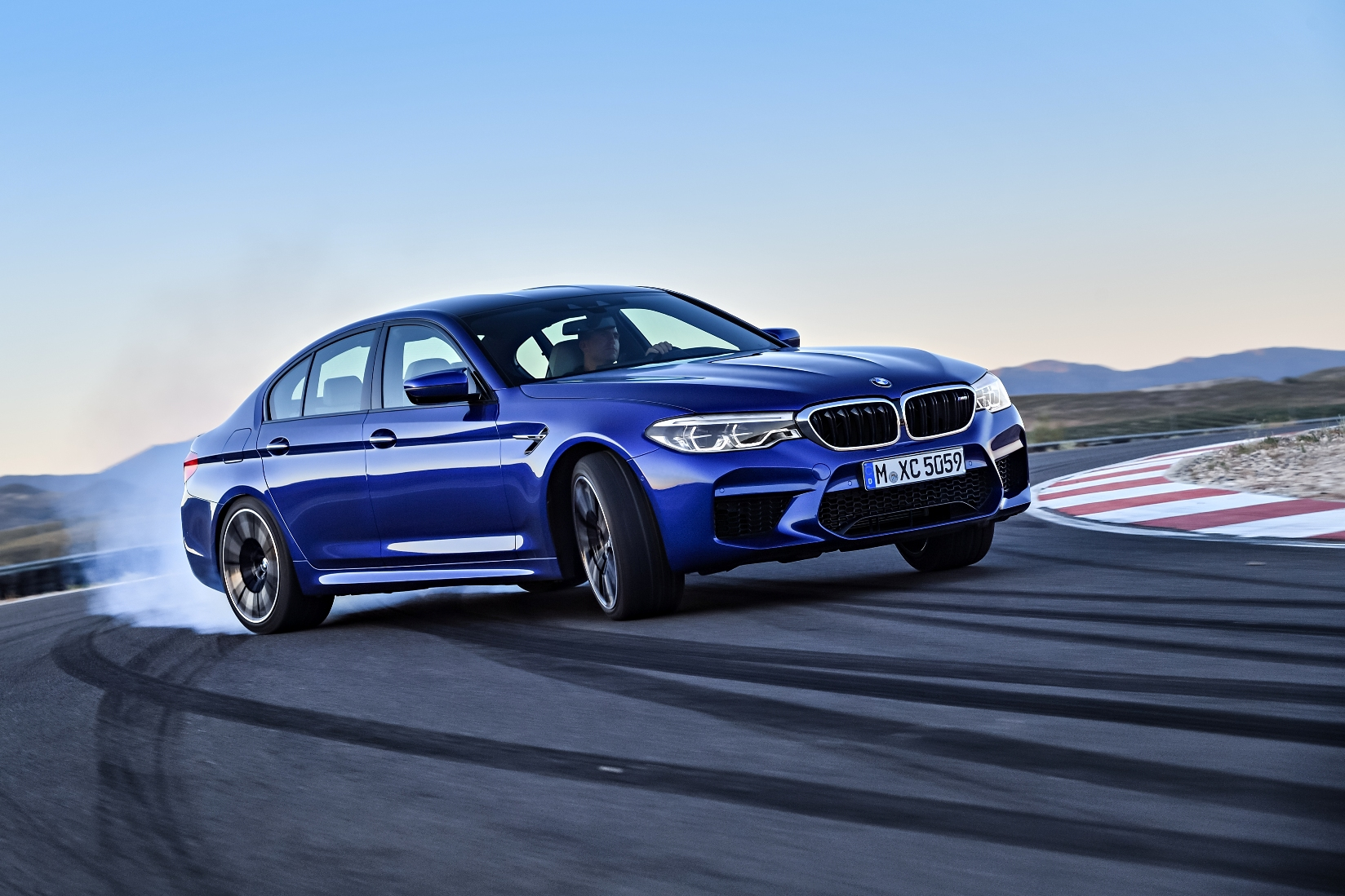 2018 Bmw M5 Packs 600 Hp And M Xdrive Awd System