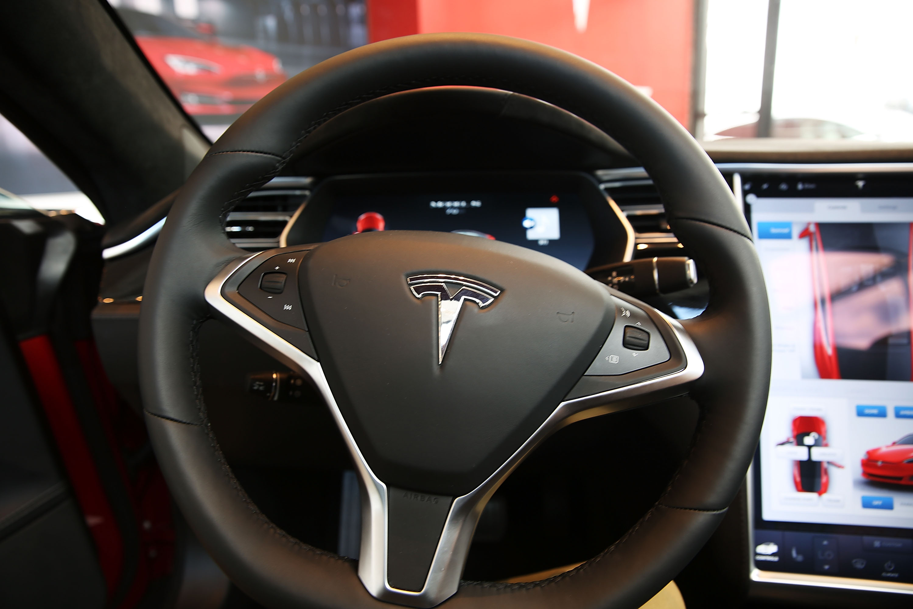 """Tesla's Christmas Treat Is A Voice-Activated """"Santa Mode"""""""